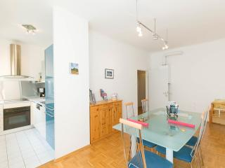 City Center Apartment ALMIAN, Vienna