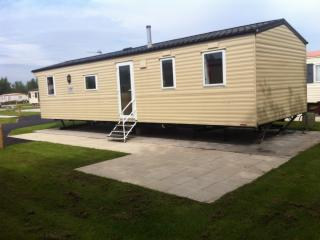 8 berth Willerby Salsa eco family caravan, Flookburgh