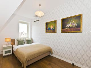 2 Bedroom Apartment - Florence, Wroclaw