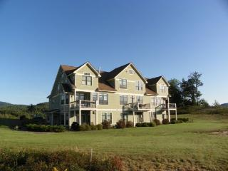 Vacation Condo with Fantastic Mountain Views on Owl`s Nest Golf Resort, Campton