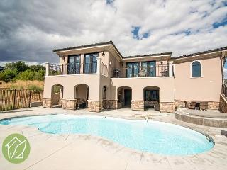 Stunning 6 Bedroom Home with Private Heated Pool by Sage Vacation Rentals, Manson
