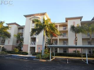 Palm Tree Blvd. Gated Condo in Cape Coral, FL