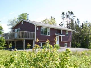 Exceptional Location, Located Between 2 Lakes, West Bay