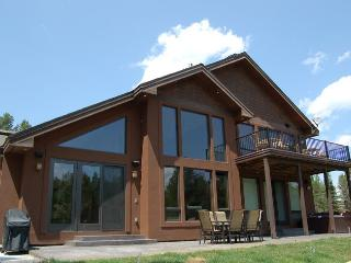 Peaceful setting with this lakeside home..., Donnelly