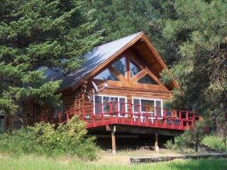 Cabin tucked in the trees with Cascade Lake view, short walk to Crown Point., Donnelly