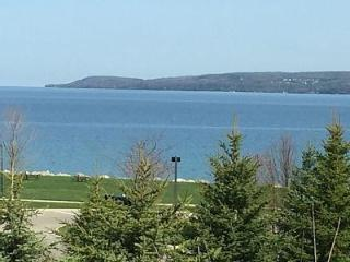 Petoskey Condominium with views of the Bay