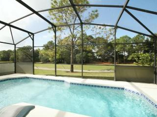 Luxury 3 BR 2 BA Pool Home on Golf Course, Haines City