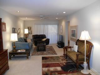 Beautifully Updated Anasazi Condo for Lease, Phoenix