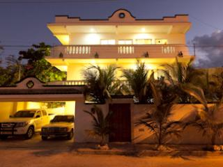 (Puerto Morelos House,  Apartments For Rent