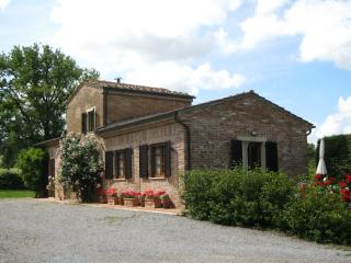 charming cottage in peaceful country setting, Montepulciano
