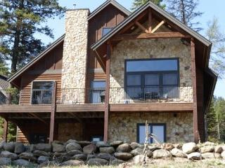 Tamarack Estate Home with firepit hot tub and wonderful views, game room theater room this home is a vacation!, Donnelly