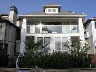 Kitsilano Pt. Waterfront Two Bedroom House, Vancouver