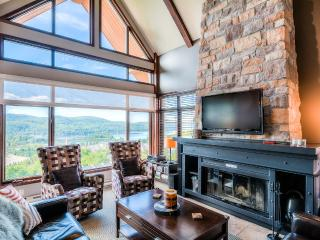 Altitude Luxury Ski-in/out 2-bedroom Condo, Mont Tremblant