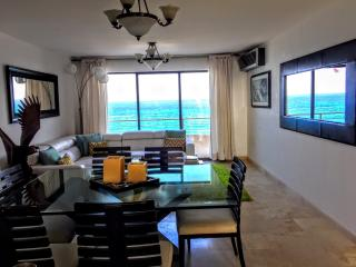 luxury penhouse with spectacular views Ocean front, Cancun
