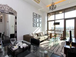 Makati's Sophisticated 2 Bedroom