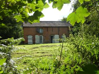 Engine House - Off Grid Living, Whitchurch