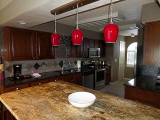 Beautiful Remodeled Condo**Affordable**Indoor Pool, Branson