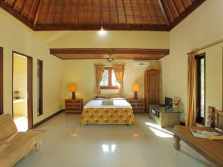 Suite Room in Jasri, Surf Beach, Candidasa