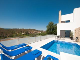 Casa Magda - Modern Villa with private pool, Silves