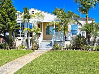 Bright 3BR in El Segundo - 1 Block to Main St. and 1 Mile to the Beach!