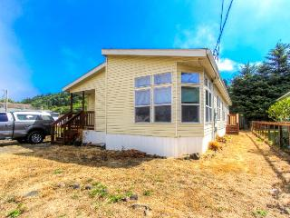 Gorgeous valley views & close to the beach!, Rockaway Beach