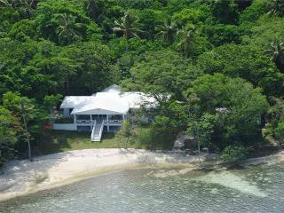 Aqua Blue Beach House, Port Vila