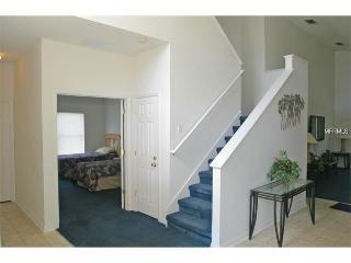 Spacious 6 bedroom home with pool and Jacuzzi, Davenport