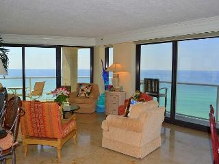 Elite condo, none other like it! Tram + pool! Location close to everything!, Miramar Beach