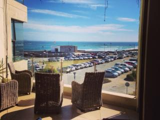 Sea view beach apartment in Eden on the Bay, Cape Town