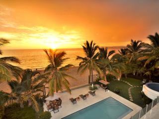 Casa La Playa, Sleeps 16, Puerto Vallarta