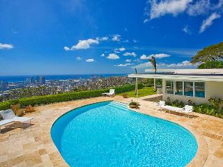 Honolulu Sky Villa, Sleeps 8