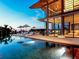 Aqua 7 at Sava Villas, Sleeps 8, Khok Kloi