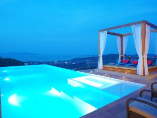 Crystal Blue, Sleeps 10, Mae Nam