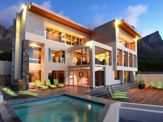 Apostle's Edge, Sleeps 12, Camps Bay