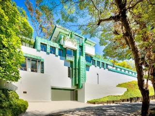 The Samuel Novarro House, Sleeps 8, Los Angeles