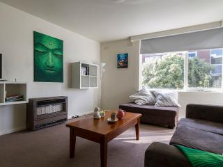 LARGE FAMILY FRIENDLY APARTMENT, Prahran