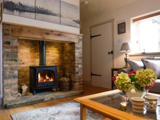 Large rural holiday cottage, Stonegate, Sussex