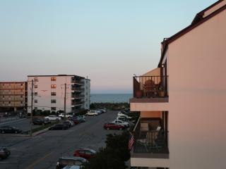 Ocean view, very close to beach with 2 bathrooms!, Ocean City