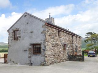 FELL VIEW COTTAGE, woodburner, private patio, near Bootle, Ref 26718