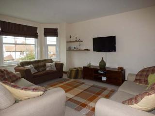 THE NORTHGATE LOFT, two-floor apartment, views, central location in Hunstanton, Ref 928039