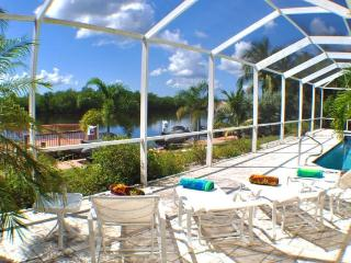 Villa Royale - the name says it all, Cape Coral