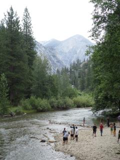 Kings Canyon Park is 1/2 hour drive from the Resort; continue on Generals Highway to Sequoia Park