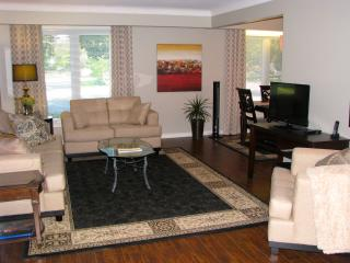 The Lamb's Den Guest House / Cottage Rental, Niagara-on-the-Lake