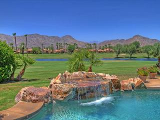 4 Bedroom Beauty on the golf course with amazing mountain views, Midway