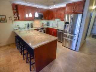 Superior ocean view from this fully remodeled 4th floor condo!, Kihei