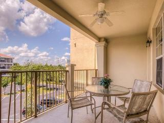 This 3-bed/2-bath condo is within walking distance from the Convention Center, Orlando