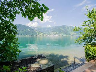 Waterfront Apartment TOP 3 OG, Zell am See