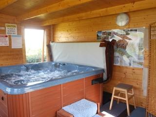 Bungalow Brecon Beacons Private Hot Tub Log Cabin