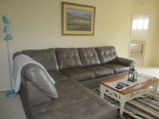 LOCATION! Beautiful Furnished 2/2 with Den, Fort Myers