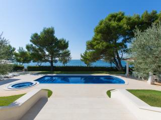 Luxurious Villa Spadici only 2 meters from the Sea, Porec